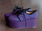 Juodi batai - iš www.manodrabuziai.lt/. Margi batai ir akiniai - iš www.asos.com.  Nebijau pirkti online, tiksliai žinau savo dydžius.