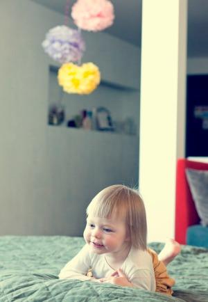 Pompomus dariau pati pirmam vaiko gimtadieniui. Youtube susirandi manualą - lengva labai.