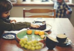 Mano visi receptai iš galvos. Tai – kūryba. Ypač patinka konditerija. Su vaikais kepame sausainius, pyragus.