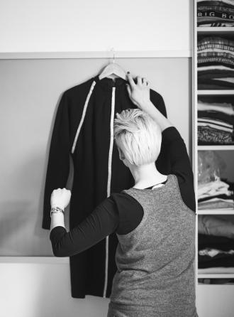 Draugė JAV užsiima vintažiniais drabužiais – iš jos ir pirkau suknelę. Kaip ji originaliai sukirpta. Bet dar nebuvau apsivilkusi – neturėjau kur. 29 30 https://www.facebook.com/needdiscipline