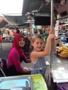 Vaikai dažnai palengvino bendravimą su vietiniais - jie rasdavo ryšį ir be kalbos
